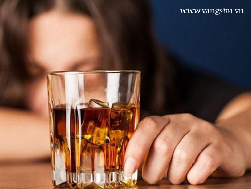 Làm sao để tránh ngộ độc rượu, bia
